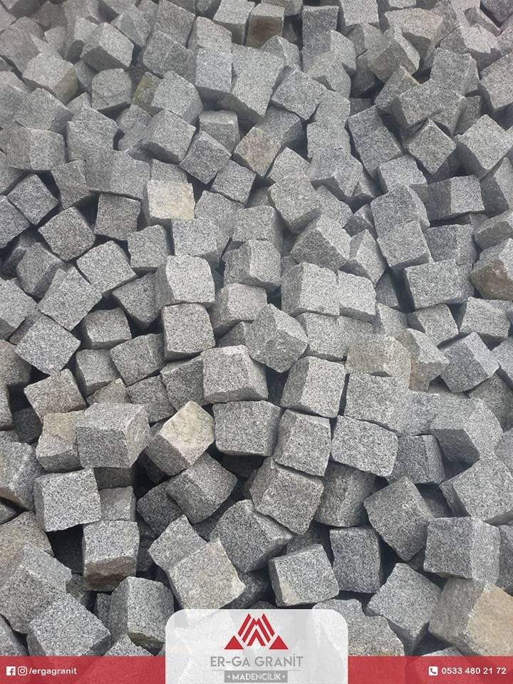 Bergama Gri Granit Küp Taş
