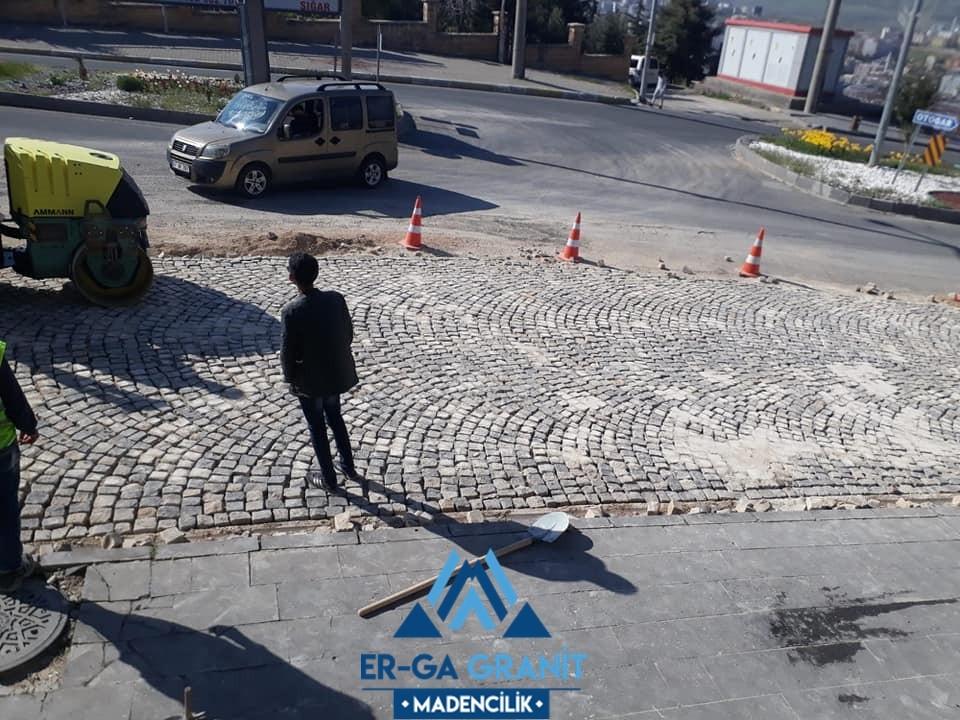 Mardin Kırma Bazalt küp taş